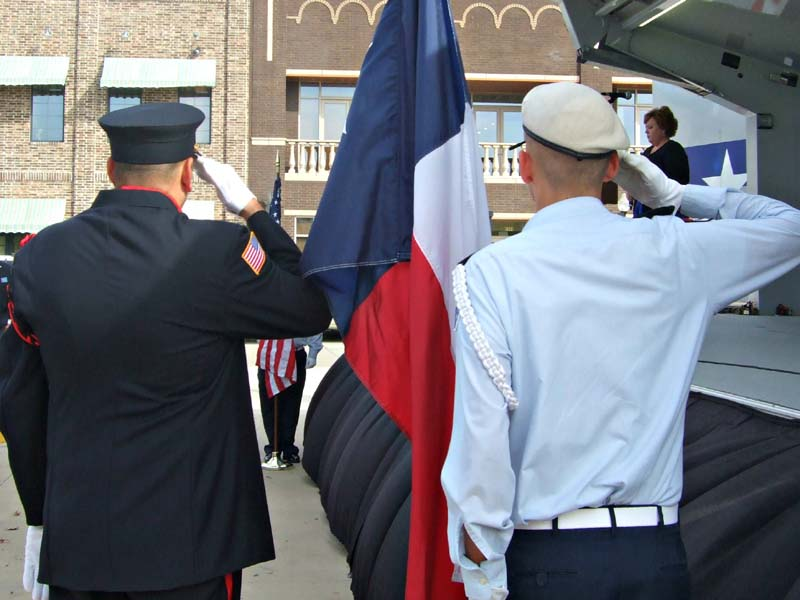 Honor guard and ROTC saluteMilitary Vet Tribute 20