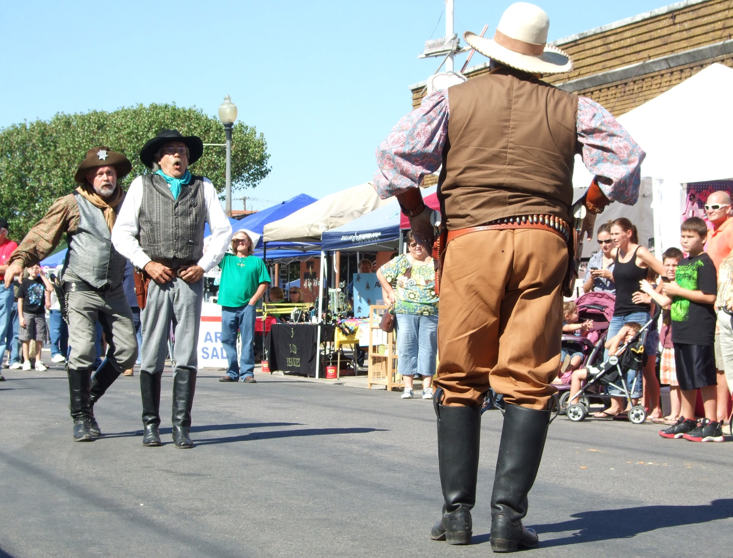 photo of gunfighters